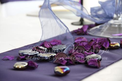 dekoracija-stola-kamencici1