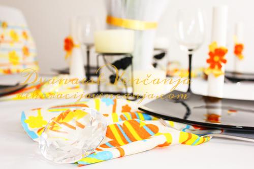dekoracija-stola-sareno1