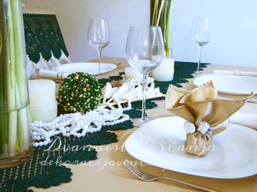 dekoracija-stola-zelena-cipka-1