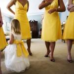 Pre nego što pređemo na jesenji dekor venčanja osvrnimo se na još jedan letnji trend koji je bio zaista zabavan: Žuto+