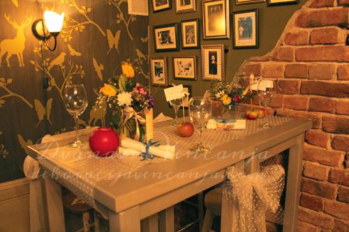 dekoracija-stola-hipstersko-vencanje.jpg