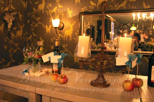 dekoracija-stola-starinski-svecnjak