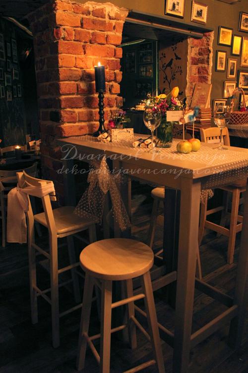 dekoracija-stola-tegle-i-tufne.jpg