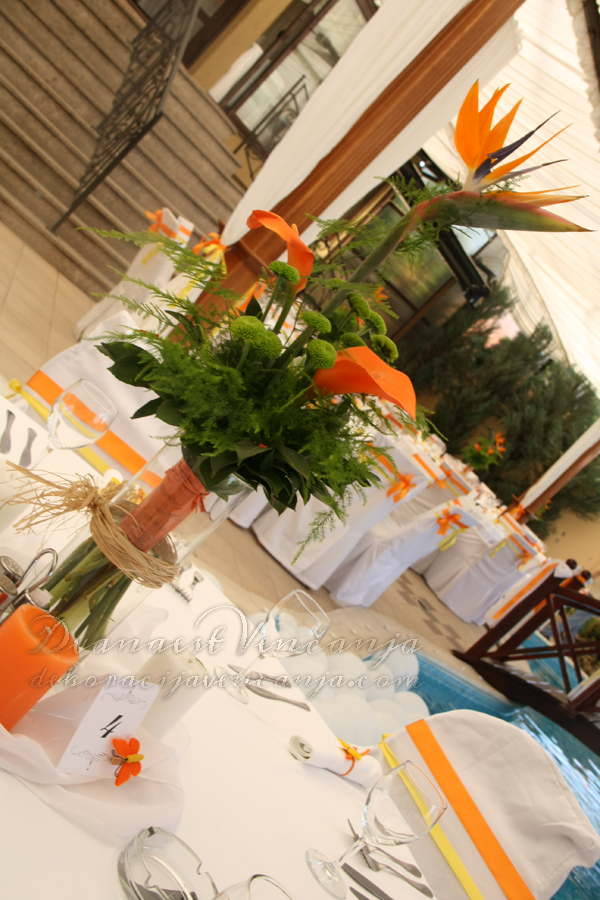 dekoracija stola prolece narandzasto i zuto