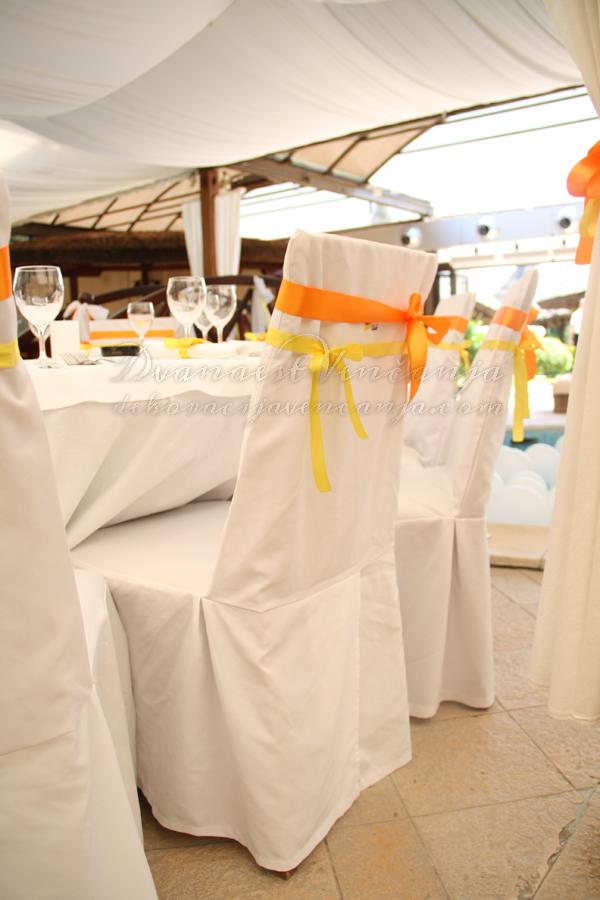 dekoracija stolica masne zute i narandzaste