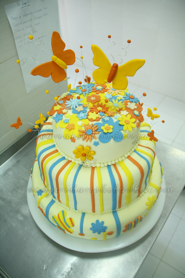 svadbena torta prolećni motivi