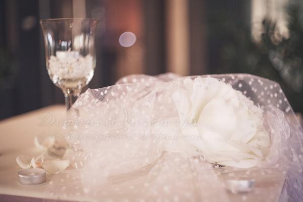 dekor maticarskog stola svece til i cvece