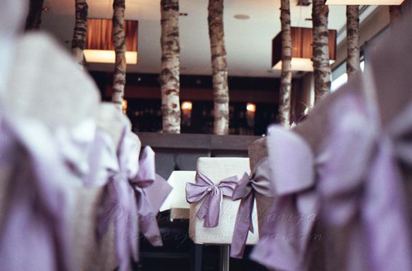 dekoracija stolica masne boje lavande