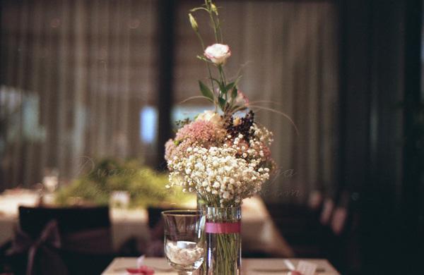 cvetni aranzman dekoracija stola