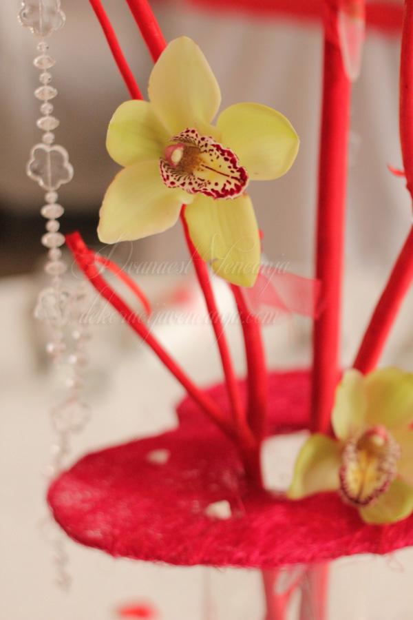 cvetna dekoracija orhideje