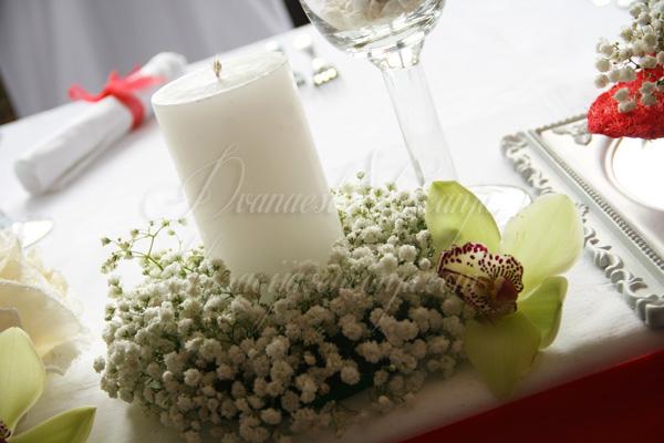 dekoracija vencanja sveća sa vencem