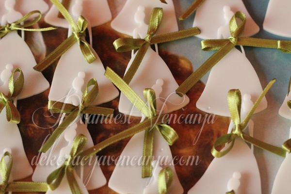 kitnja za svatove bela mlada sa zelenim detaljem
