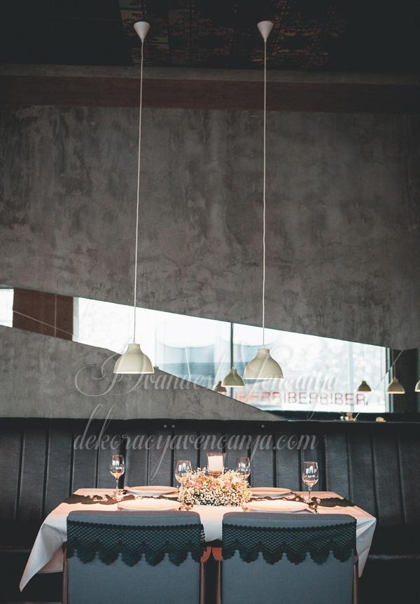 dekoracija stola cipka
